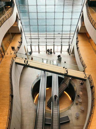 Brand e biblioteca: ogni biblioteca è un'idea esclusiva e unica